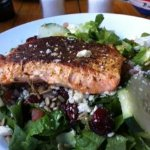 YuMMy Grilled Salmon Salad