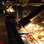 Lots of fresh hot ,good ,variety of food!