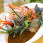 Steamed fish in soybean sauce