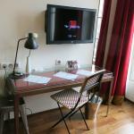 dressing table  / TV