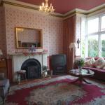 Reception  & Guest Lounge Area