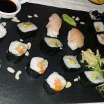Grande entrata di sushi misto