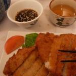 Le tonkatsu (spécialité de porc pané)