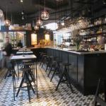 Mysiga lokaler i fransk bistrostil