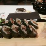 Sushi z rybą maślaną i węgorzem z dodatkiem sera...