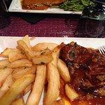 Gigot d'agneau et entrecôte sauce poivre frites/haricots