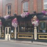 Arthurs Pub, in bloom