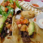 combo locooo: 2 tacos -1 enyucadito - chimichanga - 2 flautas