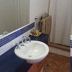 clean bathroom - towells - shampoo etc