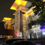 Exterior Hotel In The Night