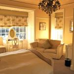Executive bedroom, light & airy