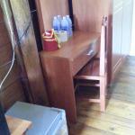 โต๊ะทำงาน วางโน๊ตบุ๊คได้สบาย