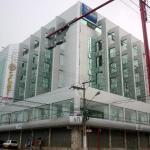 Fachada do hotel no centro da cidade