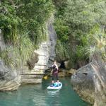 Raglan Paddleboarding tour to the Lime stone rocks - pancake rocks