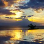 Coucher de soleil vu depuis la Piscine
