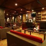 Restaurant with warm Balinese atmosphere