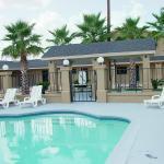 Pool - Budget Inn Monroe Photo