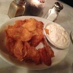 Awesome Kettle-style chips and dip