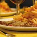 Entrecôte et sa fameuse sauce, accompagnée de ses frites