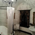 Bathroom in the Seret Room.