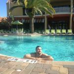 Easy going pool - great temperature