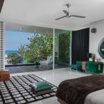 Luna2 private hotel green master bedroom
