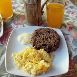 Choose the Gallo Pinto over the fruits & toasts, you won't regret it.