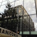 Manicomio City neon