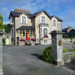 Private parking at Abbeyville House