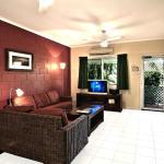Spacious Living Room - 2 Bedroom Villa