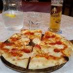 Salami Pizza, house beer