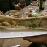 Tibia de bœuf au gros sel, pain grillé