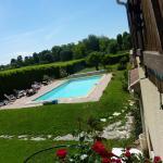 la piscina y parte del parque