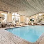 Pool & Jacuzzi Area