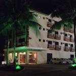 Foto a noite do hotel