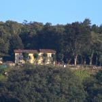 Blick auf das Hotel von der Stadt Cornobbio.