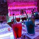 Pink (vodka) / orange blue (rhum)