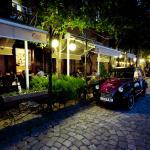 Charles Cafe & Restaurant