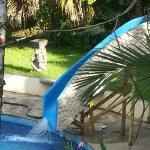 toboggan de la piscine de l'hotel