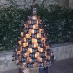 albero di natale con bottiglie jack daniels