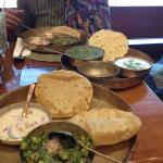 oondhiyo and kichdi