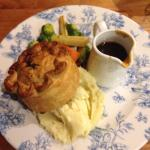 Steak and ale pie, beautiful