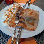 Un'ottima crepes dolce del locale, mangiata in un minuto!