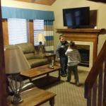 Pedestal cottage living room