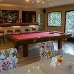 Bar lounge, billard accès libre