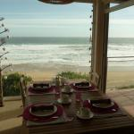 Blick vom Frühstücksraum aufs Meer