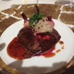 メインの肉料理、小鴨or蝦夷鹿or牛サーロイン