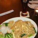 Pad-Thai di verdure e pollo