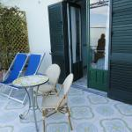 mobiliario del gran balcón