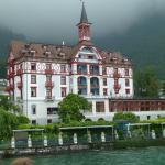 Das Hotel vom See aus